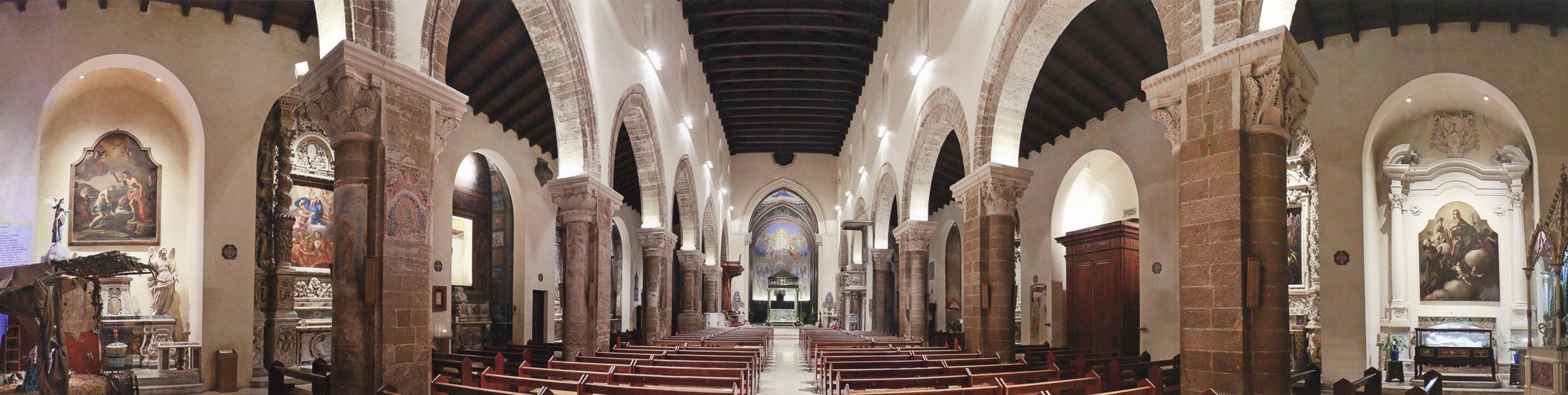Panoramica interna, cattedrale di Nardò. Foto Aristide Mazzarella