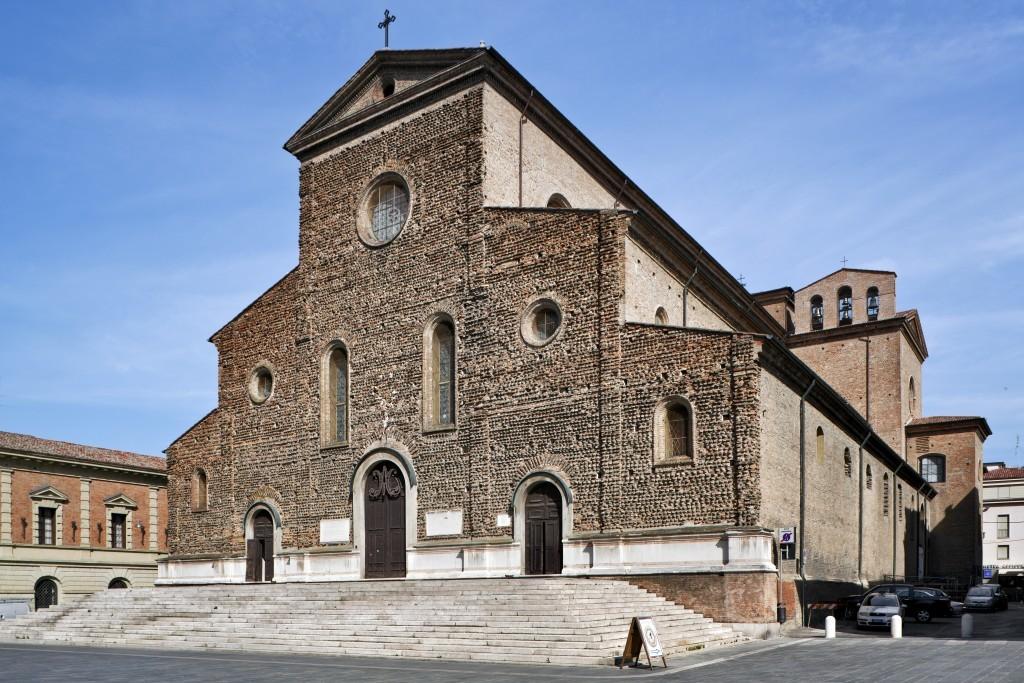 Fig. 1 – La Cattedrale di Faenza, veduta Esterna