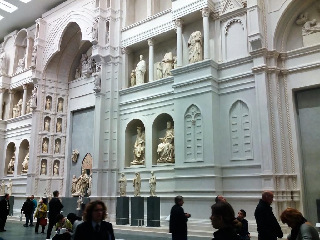 Nel Museo Diocesano si ammira una ricostruzione in scala 1:1 della facciata di S. Maria del Fiore, come doveva essere all'epoca di Arnolfo di Cambio.
