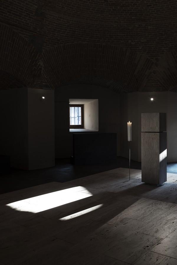 Il miracolo della luce, che occhieggia nell'ombra. (foto Stéphane Giraudeau)
