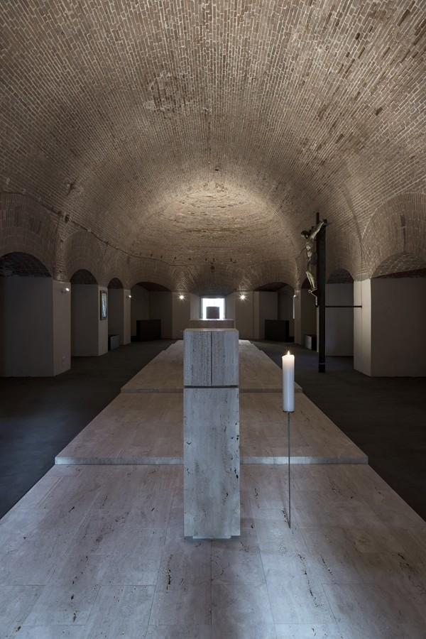 La custodia eucaristica nella prospettiva interna. (foto Stéphane Giraudeau)