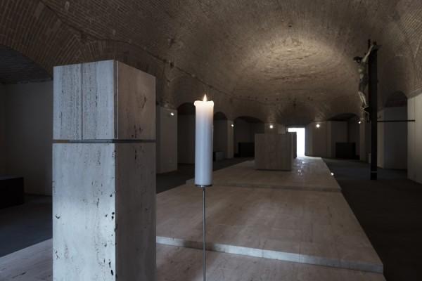 La custodia eucaristica e la prospettiva dei tre luoghi lirutgici. (foto Stéphane Giraudeau)