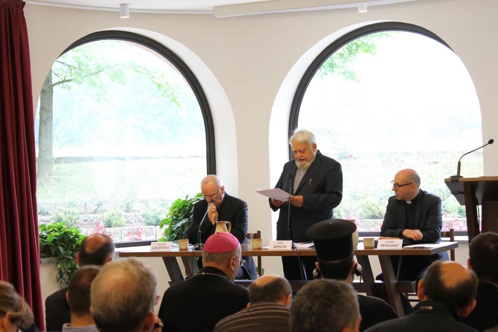 L'apertura del convegno, da sinistra: S. E. mons Nunzio Galantino, p. Enzo Bianchi, mons Valerio Pennasso. Foto Irena Kuletin