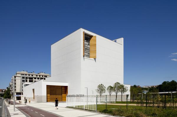 La chiesa di San Sebastian (Spagna) con cui Moneo ha vinto il Premio Frate Sole edizione 2016.