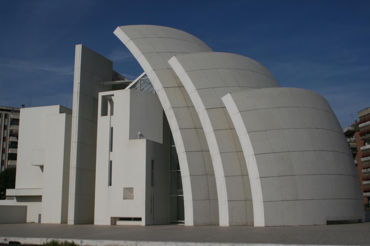 La chiesa Dives in Misericordia, gi? provata dal tempo e dall'inquinamento (foto da Wikiperdia)