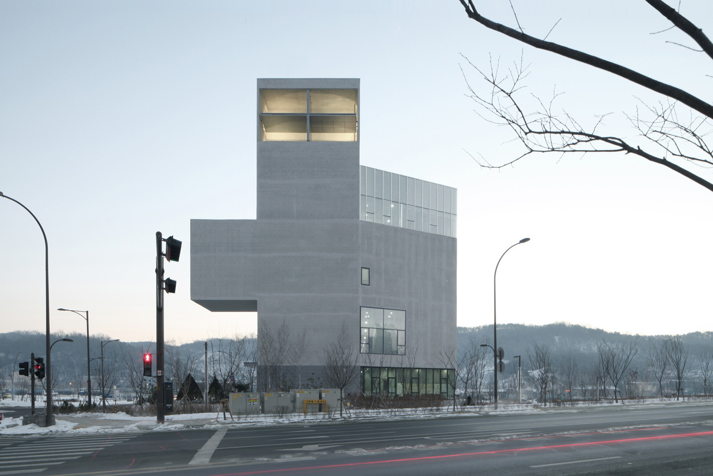 rw_concrete_church-nameless-architecture-06