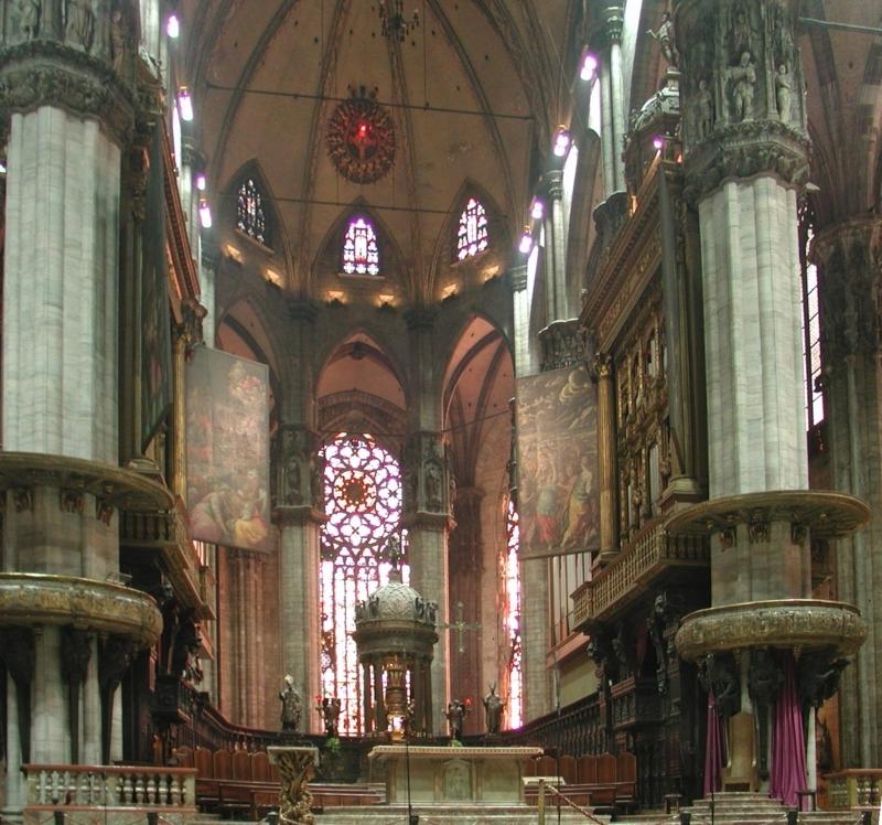 Duomo di Milano. Il coro attorno all'altare.