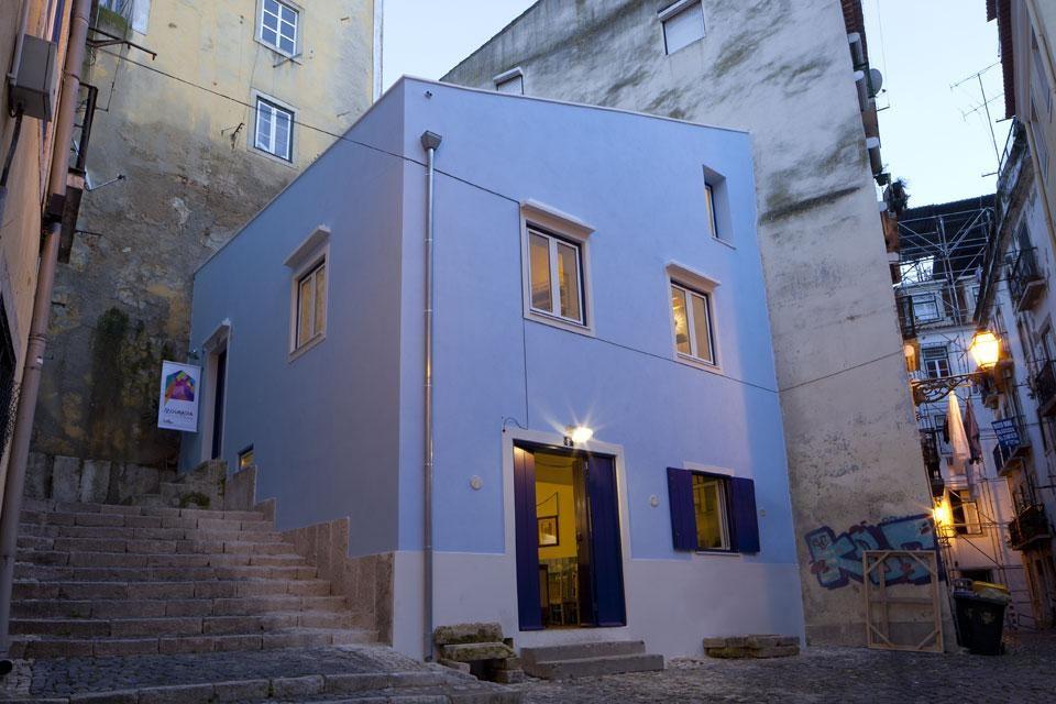 Artéria, Edificio-Manifesto, quartiere di Mouraria, Lisbona, Portogallo, 2012. Photo © Rui Pinheiro